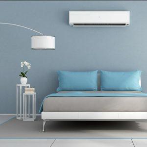 Ambiente decorado com aparelho de ar condicionado split