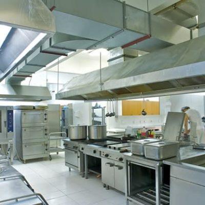 Sistema de Exaustão na Cozinha Industrial
